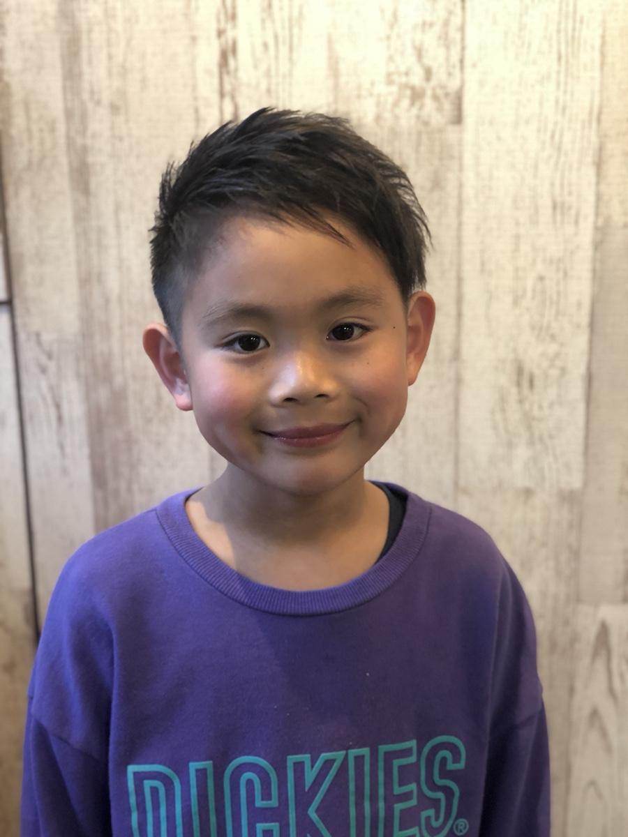 西荻窪美容室VIRTUE卒業・入学前にたくさんのお子様が髪を切りに来ていらっしゃいます。