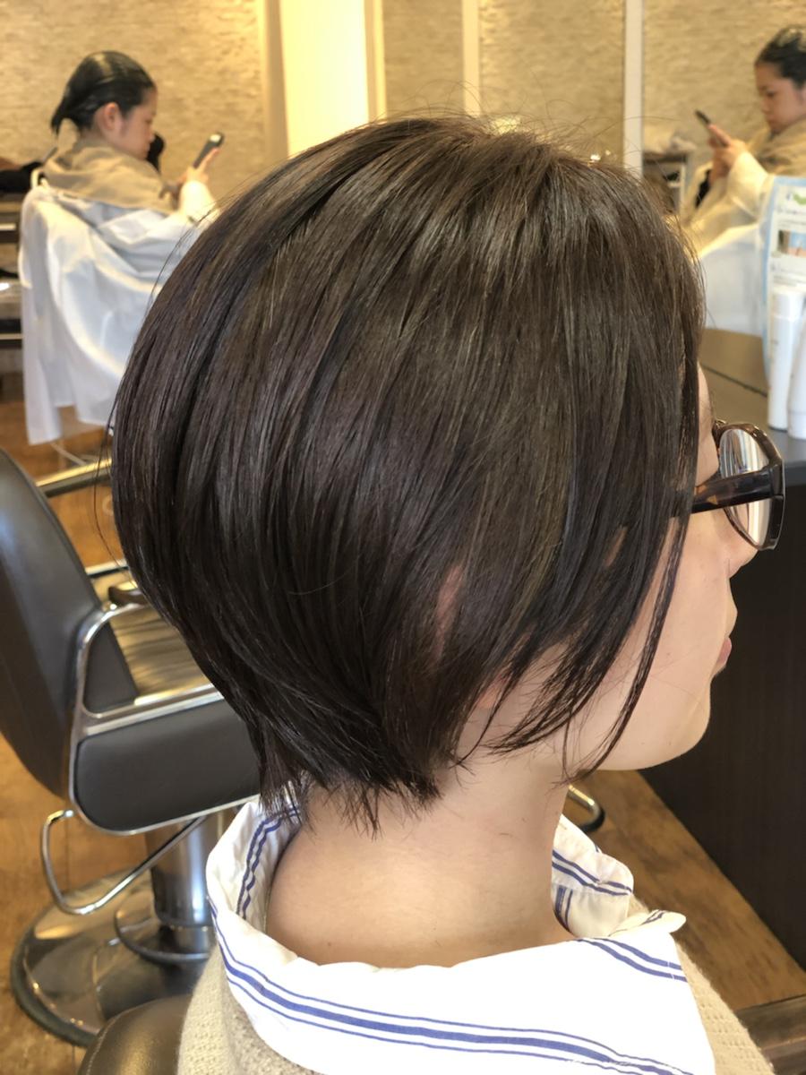 酸性縮毛矯正なら自然なストレートヘアーに。まっすぐなり過ぎない自然なボブ