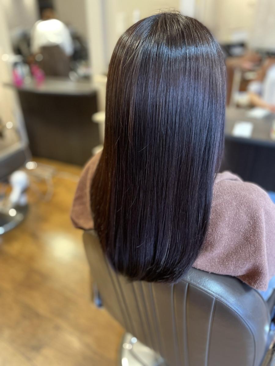 髪の広がる、まとまらない方には酸性縮毛矯正がおすすめです!